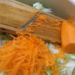Фото рецепта - Витаминный салат из пекинской капусты и авокадо - шаг 1