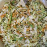 Фото рецепта - Витаминный салат из пекинской капусты и авокадо - шаг 2