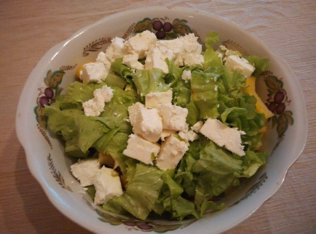 Фото рецепта - Салат из овощей с брынзой - шаг 3