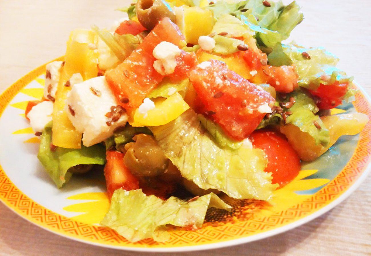 Салат из овощей с брынзой