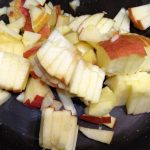 Фото рецепта - Экспресс-пирог к чаю с томлеными яблоками и бананом - шаг 1