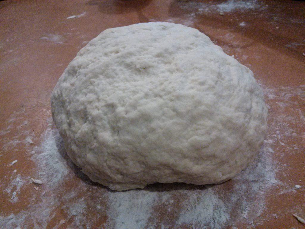 Фото рецепта - Сладкие дрожжевые пирожки с вареньем - шаг 2