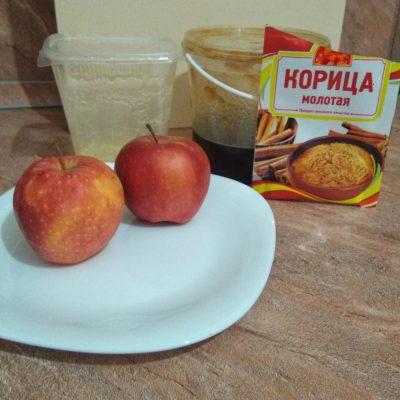 Фото рецепта - Яблоки с медом - шаг 1