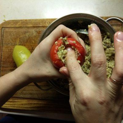 Фото рецепта - Перец фаршированный пшеном и шпротами - шаг 4