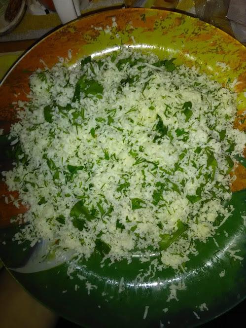 Фото рецепта - Сыр сулугуни с зеленью в жареном лаваше - шаг 2