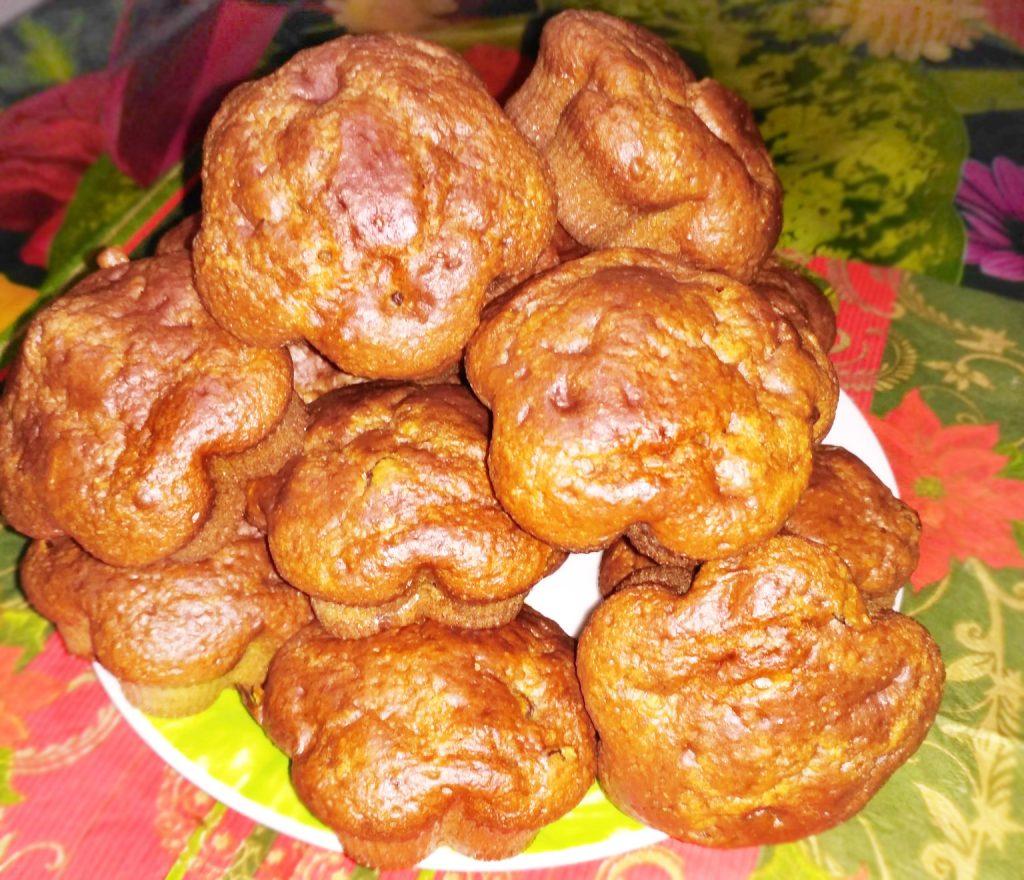 Фото рецепта - Кексы на сметане с изюмом - шаг 6