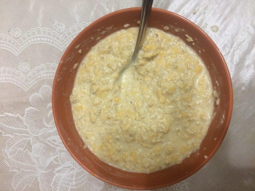 Фото рецепта - Полезные тыквенно-геркулесовые оладушки - шаг 5