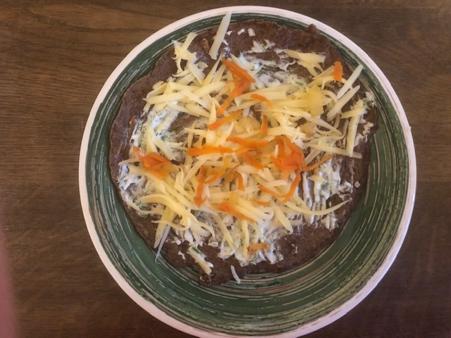 Фото рецепта - Печеночные рулетики с морковно-луковой начинкой - шаг 9