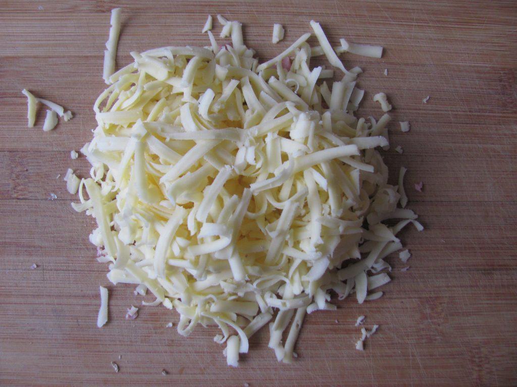 Фото рецепта - Блинчики с начинкой из яиц и колбаски - шаг 7