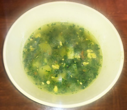 Фото рецепта - Суп со шпинатом и яйцом - шаг 7
