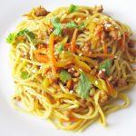 Спагетти с кабачком, морковью и мясным фаршем