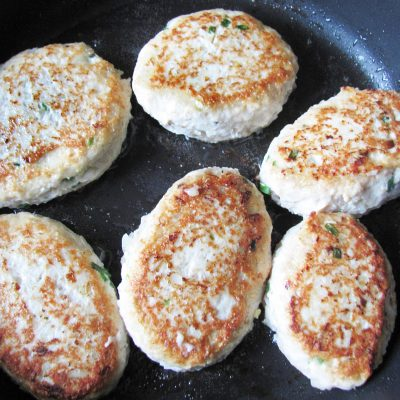 Зразы из куриной грудки с луком и яйцом - рецепт с фото