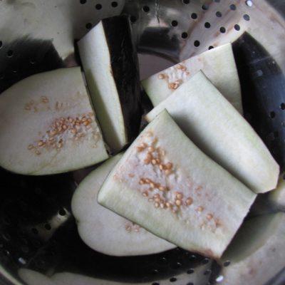 Фото рецепта - Маринованные баклажаны по-корейски - шаг 1