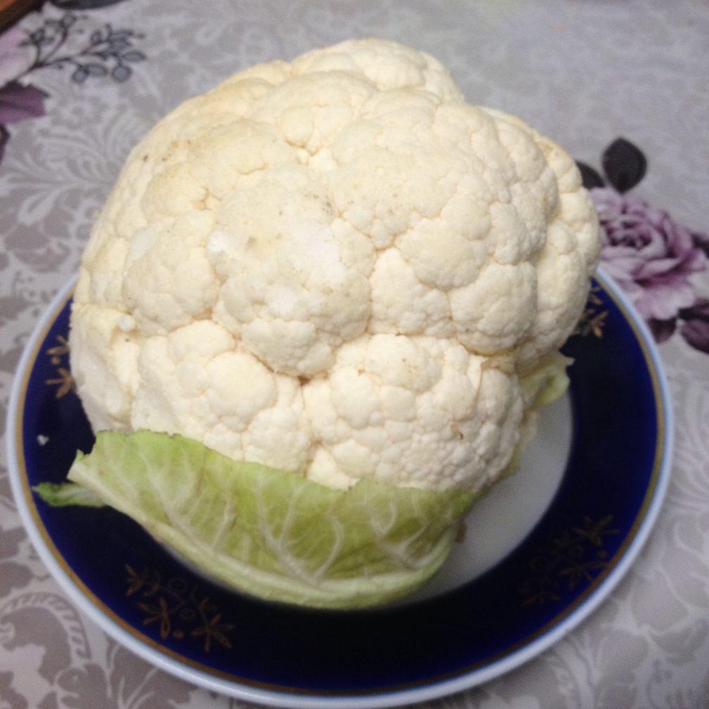 Фото рецепта - Цветная капуста, жареная в яичном кляре - шаг 1