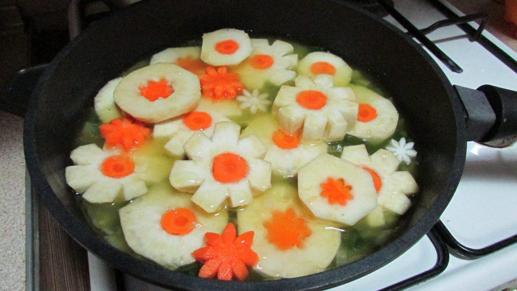 Фото рецепта - Корень сельдерея, тушенный на оливковом масле - шаг 9