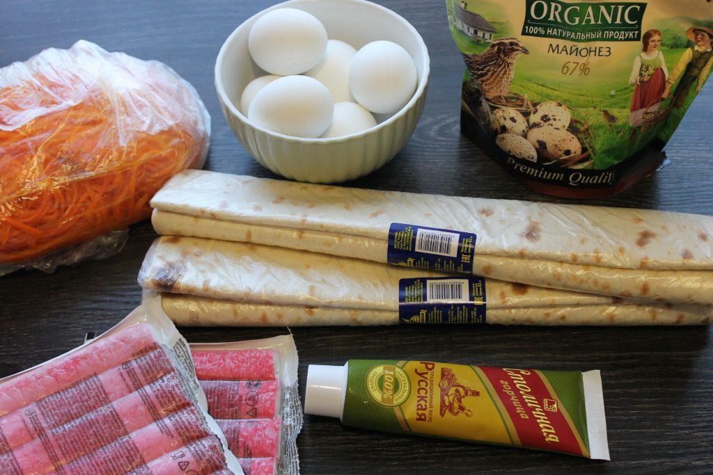 Фото рецепта - Рулет из лаваша с морковью и крабами - шаг 1