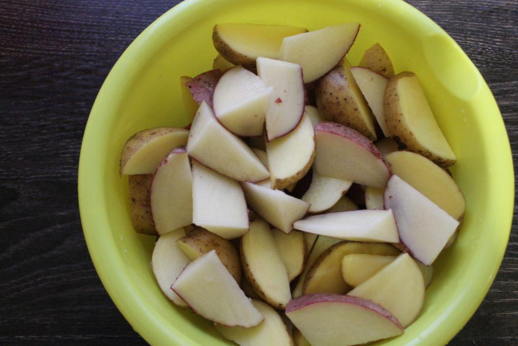 Фото рецепта - Свинина с картошкой запеченная - шаг 3
