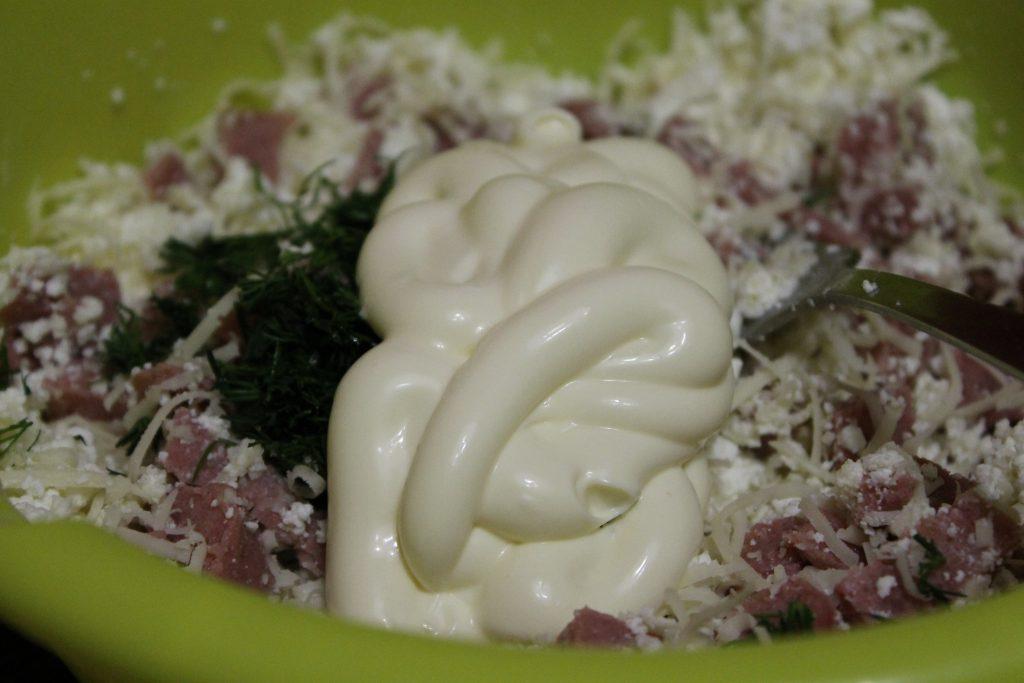 Фото рецепта - Треугольники из лаваша с творожно-сырной начинкой - шаг 5