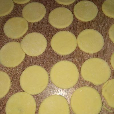 Фото рецепта - Домашние «медвежьи ушки» — пельмени - шаг 2