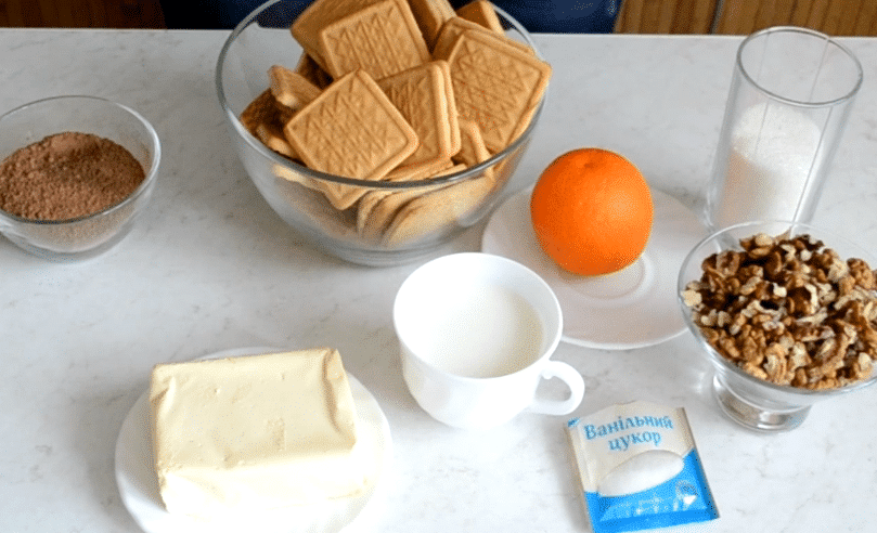 Фото рецепта - Сладкая колбаска с орешками за 10 минут - шаг 1
