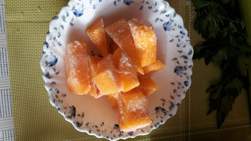 Фото рецепта - Вегетарианский тыквенно-гороховый суп-пюре с капустой - шаг 2