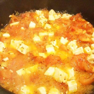 Сыр, жареный с помидорами - рецепт с фото