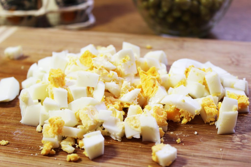 Фото рецепта - Русский салат «Оливье» с ветчиной - шаг 3