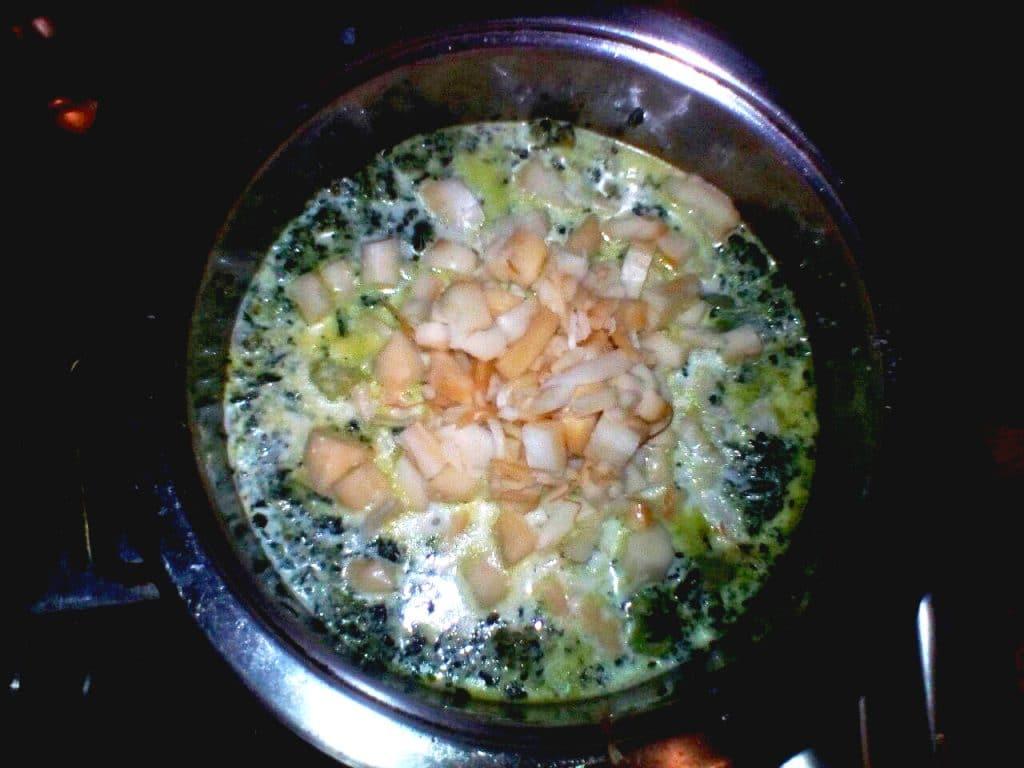 Фото рецепта - Зелёный суп-пюре с брокколи - шаг 4
