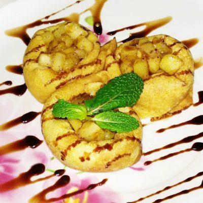 Блинчики на молоке с яблоками и корицей - рецепт с фото