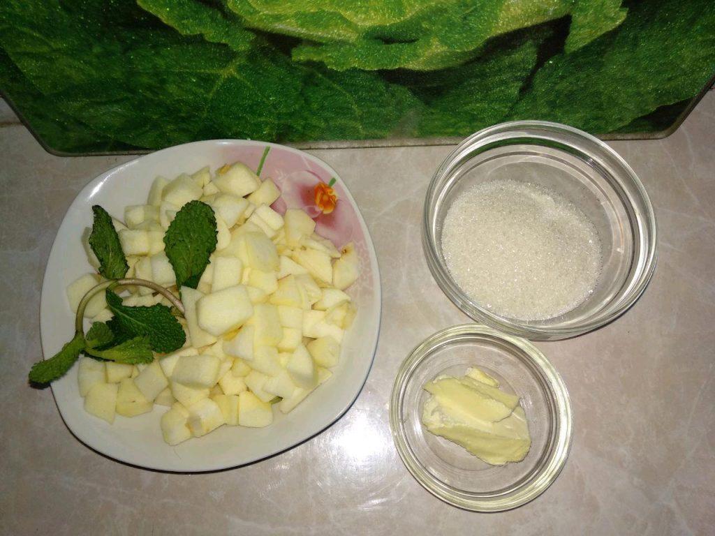 Фото рецепта - Блинчики на молоке с яблоками и корицей - шаг 5