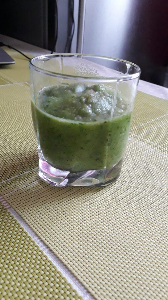 Фото рецепта - Витаминный «зеленый» смузи - шаг 3