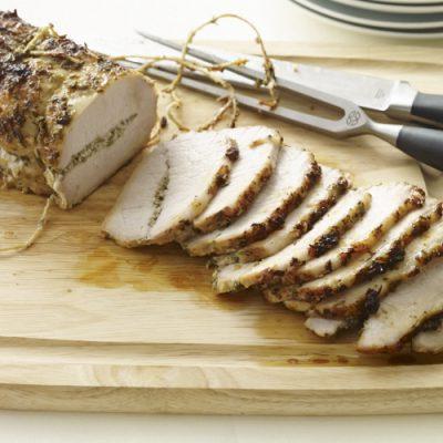 Запеченная свинина с травами - рецепт с фото