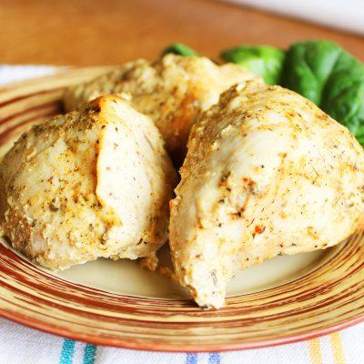 Запеченное куриное филе в пакете в сметане — простой рецепт - рецепт с фото