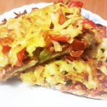Домашняя пицца «Обжорка» с огурчиками и помидорами
