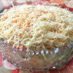 Рыбный салат с горошком, крабами и корейской морковью