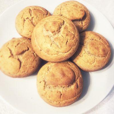 Постные апельсиновые кексы из зеленой гречи - рецепт с фото