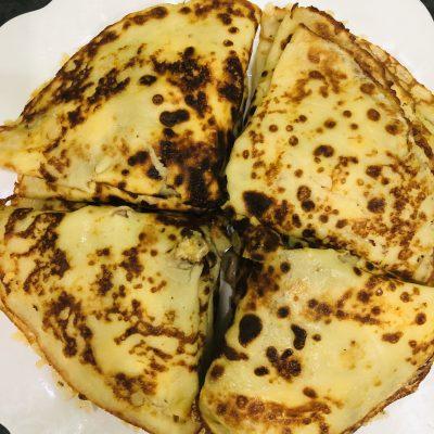 Блинчики на молоке, с сыром и ветчиной - рецепт с фото
