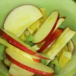 Легкий фруктовый салат на завтрак