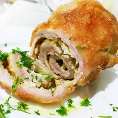 Рулет из сала с куриным филе - рецепт с фото