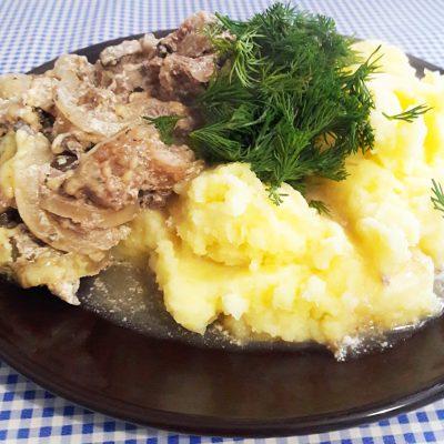 Свинина, запеченная с грибами и сыром - рецепт с фото