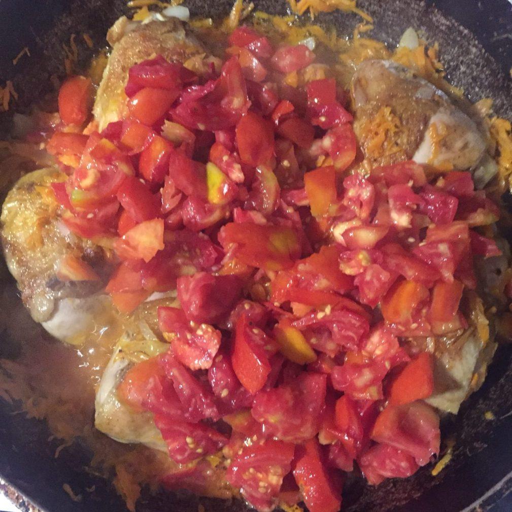 Фото рецепта - Вкусная подлива из курицы и овощей к рису - шаг 4