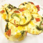 Мини-омлет, запеченный с овощами