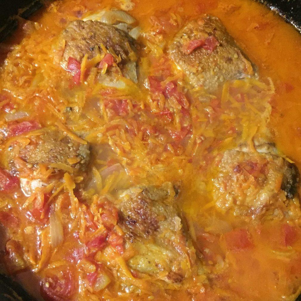 Фото рецепта - Вкусная подлива из курицы и овощей к рису - шаг 5