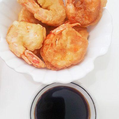 Золотистые креветки в кляре - рецепт с фото