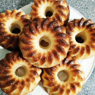 Полезные кексы на твороге и кефире из кукурузной муки - рецепт с фото
