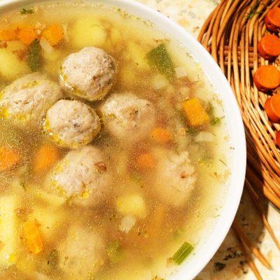 Картофельный суп с мясными фрикадельками - рецепт с фото