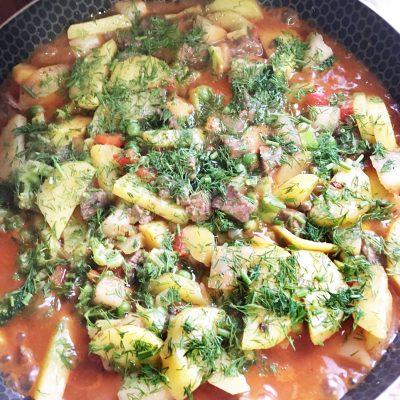 Овощное рагу с говядиной на сковороде - рецепт с фото