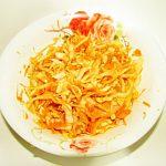 Бабушкин салат из капусты с морковью и яблоком
