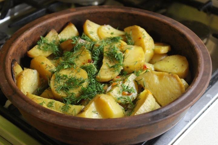 Фото рецепта - Картофель по-мексикански (овощной гарнир) - шаг 6