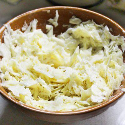 Пикантный капустный салат - рецепт с фото